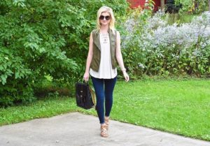 Sharing a fun fall look on the blog today! Ivehellip