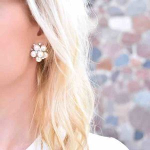 These pearl cluster earrings are perfect for every season! hellip
