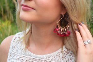 IT Cosmetics CC+ Oil-Free Matte Cream Kendra Scott Raven Earrings